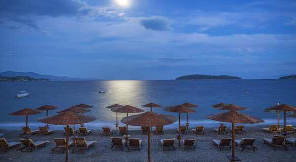 2 42 - Holidays on the Greek island of Skiathos