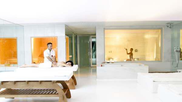 24 - Popular hotels in the Turkish resort of Belek