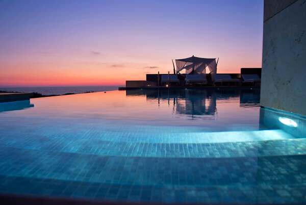3 11 - The best hotels in Greece